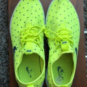 Nike Neon tennis shoes